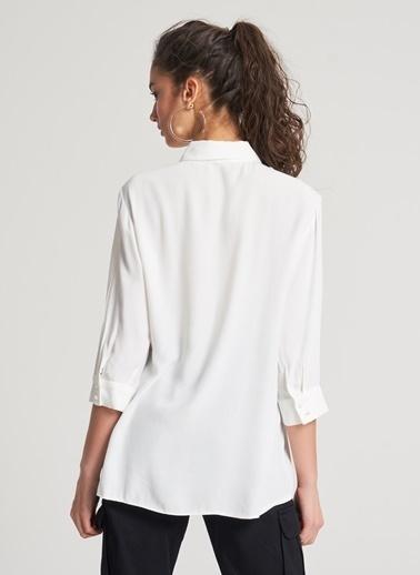 Pi π File Detaylı Gömlek Beyaz